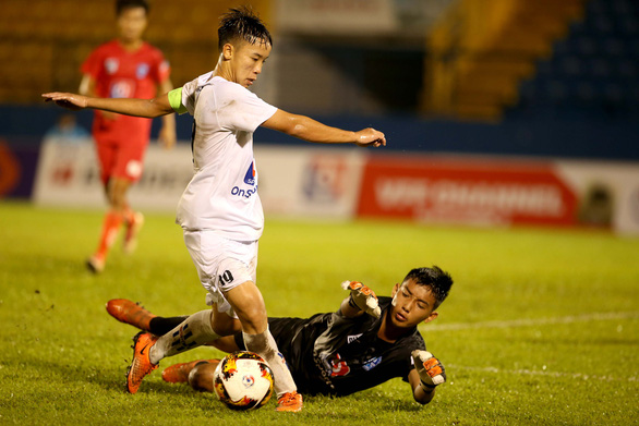 U15 của tiền đạo nhập tịch Huỳnh Kesley thua trận mở màn U15 quốc gia - Ảnh 1.