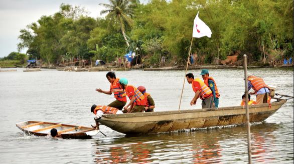 Hoa Kỳ hỗ trợ ban đầu 100.000 USD giúp Việt Nam khắc phục hậu quả bão số 6 - Ảnh 1.