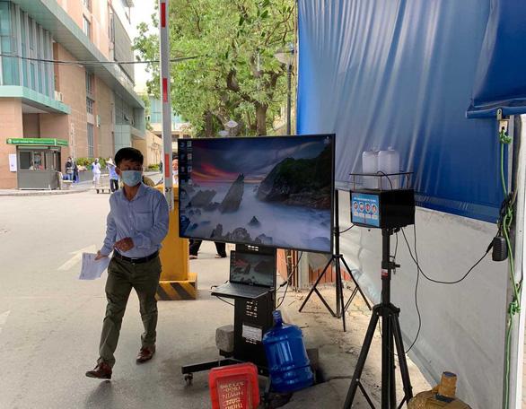 Chuyên gia Ấn Độ mắc COVID-19 sau 11 ngày cách ly tại Việt Nam - Ảnh 1.