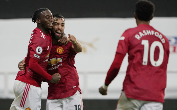 Bùng nổ cuối trận, Man Utd thắng đậm Newcastle tại St James Park - Ảnh 5.
