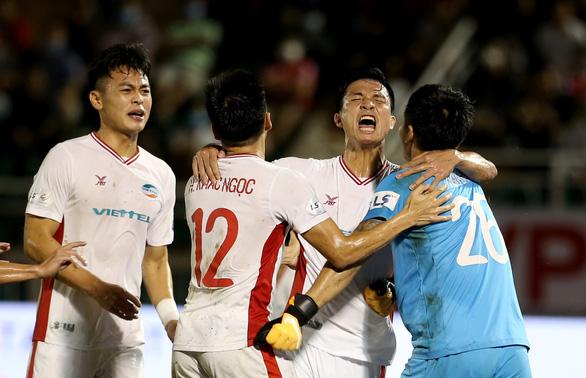 Đấu sớm vòng 3 giai đoạn 2 V-League 2020: Thắng để nuôi giấc mơ vô địch - Ảnh 1.
