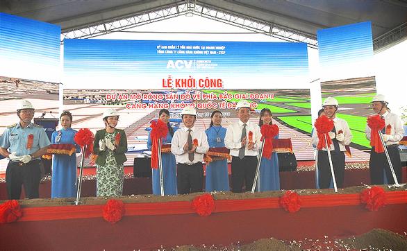 Khởi công dự án mở rộng sân đỗ sân bay Đà Nẵng - Ảnh 1.