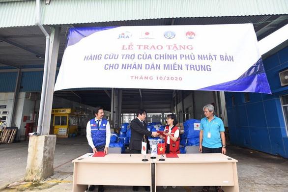 Nhật viện trợ khẩn cấp tới người dân vùng bão lũ ở Thừa Thiên Huế - Ảnh 1.