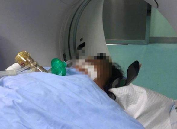 Ăn đồ trữ đông gần 1 năm, 9 người trong gia đình ở Trung Quốc tử vong - Ảnh 1.
