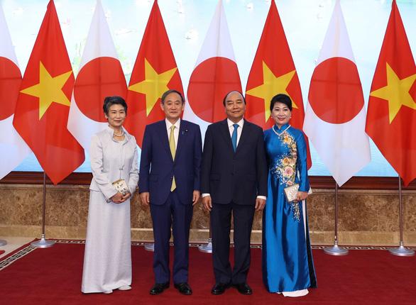 Thủ tướng Nhật Suga Yoshihide: Đầu xuôi đuôi lọt! - Ảnh 1.