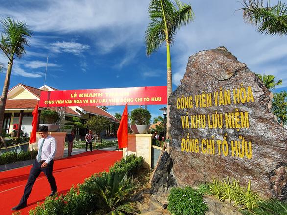 Khánh thành công viên văn hóa và khu lưu niệm nhà thơ Tố Hữu - Ảnh 1.