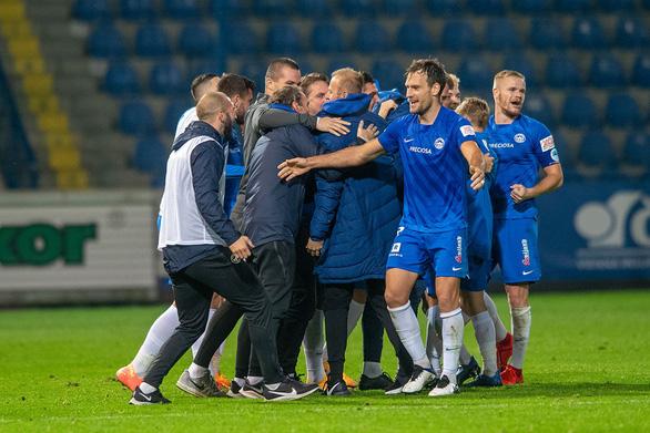 Gây sốc khi đánh bại đối thủ mạnh, đội bóng của Filip Nguyen giành quyền dự Europa League - Ảnh 1.