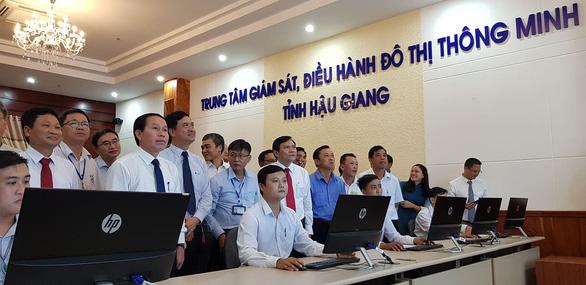 Hậu Giang công bố trung tâm giám sát, điều hành đô thị thông minh - Ảnh 1.