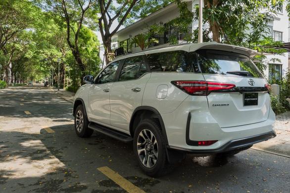 Fortuner 2020 khuấy động thị trường SUV bằng nâng cấp vượt trội - Ảnh 2.