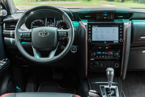 Fortuner 2020 khuấy động thị trường SUV bằng nâng cấp vượt trội - Ảnh 3.
