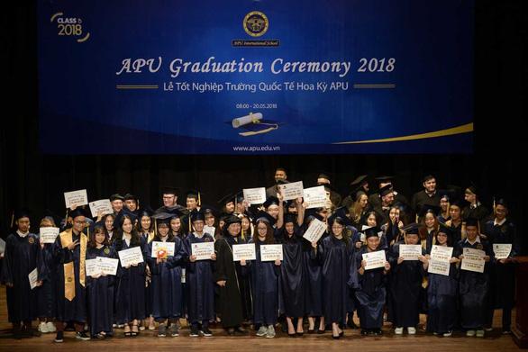 Tiến sĩ Trần Nguyễn Thy Bình - người khát khao tạo dựng cơ hội cho học sinh - Ảnh 2.