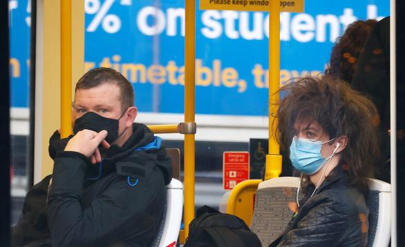 Ung thư phổi có thể bị nhầm thành COVID-19 - Ảnh 1.