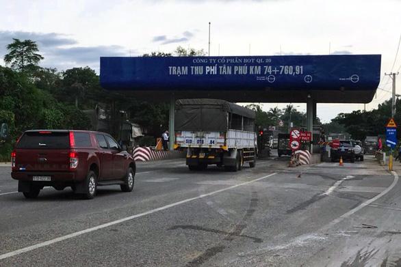 Tạm dừng thu phí trạm BOT Tân Phú trên quốc lộ 20 - Ảnh 1.