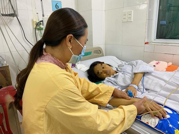 Người được ghép gan đầu tiên ở Việt Nam hi vọng được ghép gan lần 2 - Ảnh 1.