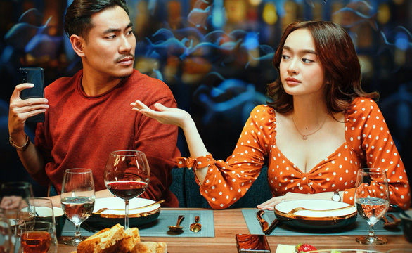 Tiệc trăng máu thu 175 tỉ đồng, vượt Em chưa 18 vào top 3 phim Việt - Ảnh 1.