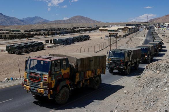 Ấn Độ trao trả binh sĩ 'đi lạc' cho Trung Quốc - Ảnh 1.