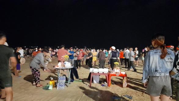 2 thiếu niên 16 tuổi chết đuối ở biển Bình Định - Ảnh 1.