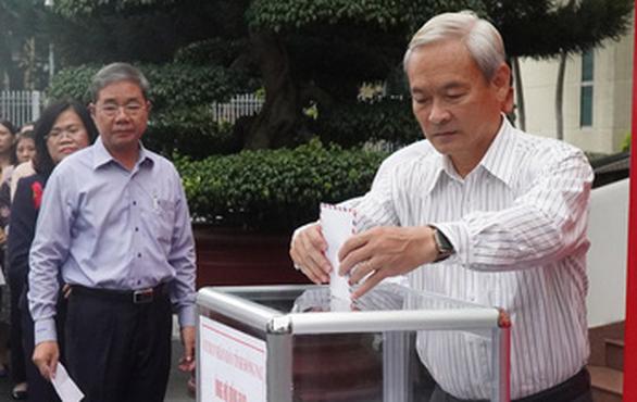 Đồng Nai kêu gọi ủng hộ miền Trung: sau 15 phút đã có gần 3,6 tỉ đồng - Ảnh 2.