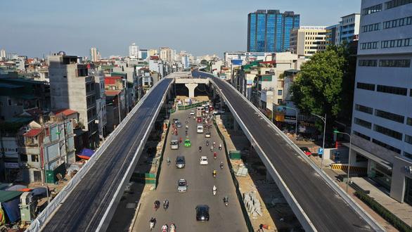 Đường vành đai 2 trên cao đoạn Vĩnh Tuy - Ngã Tư Sở đội vốn hơn 2.100 tỉ đồng - Ảnh 1.