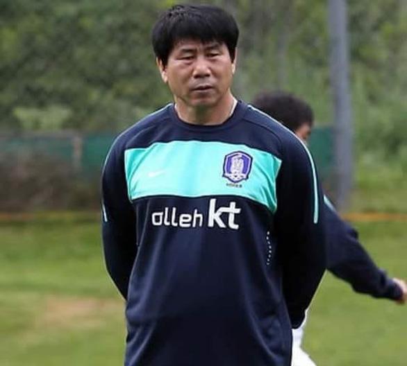 HLV thủ môn người Hàn Quốc chuẩn bị sang Việt Nam giúp ông Park Hang Seo - Ảnh 1.