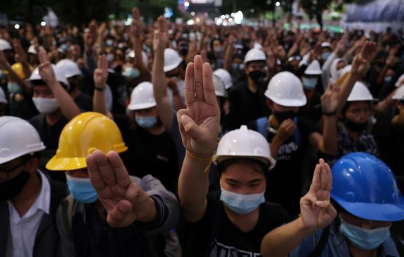 Người biểu tình Thái Lan cho 3 ngày từ chức, Thủ tướng Prayuth nói gì? - Ảnh 1.