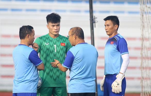 HLV thủ môn người Hàn Quốc chuẩn bị sang Việt Nam giúp ông Park Hang Seo - Ảnh 2.