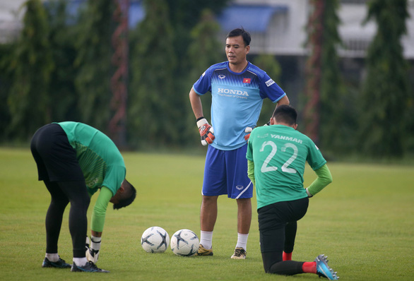HLV thủ môn người Hàn Quốc chuẩn bị sang Việt Nam giúp ông Park Hang Seo - Ảnh 3.