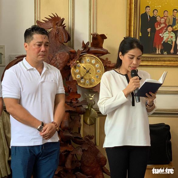 Con gái nghệ sĩ Lý Huỳnh cảm ơn Chính phủ đã giúp chị được về nước chăm sóc cha - Ảnh 1.