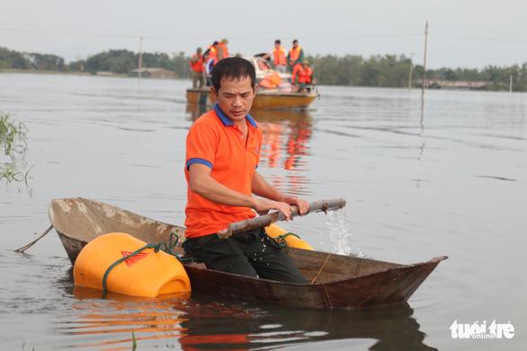 Mưa lũ tại Hà Tĩnh làm 6 người chết, hơn 45.500 hộ dân bị ngập - Ảnh 1.