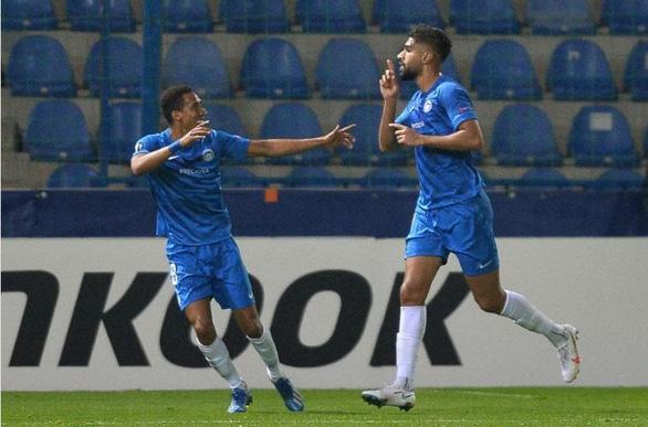 Thủ môn Việt kiều Filip Nguyen chơi xuất sắc trong trận thắng ở Europa League - Ảnh 1.