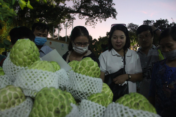 Tuần lễ hàng Made in Vietnam - Tinh hoa Việt Nam khai mạc ở hồ Hoàn Kiếm - Ảnh 3.