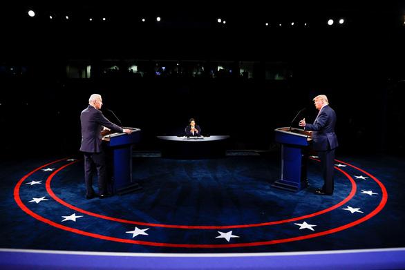 Trump - Biden tranh luận lần cuối: Bình tĩnh hơn, rõ ràng hơn - Ảnh 1.