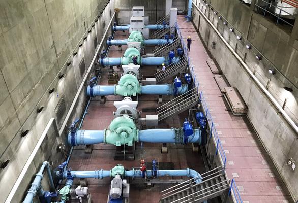 6 quận bị cúp nước, nước yếu vào thứ bảy, chủ nhật - Ảnh 1.