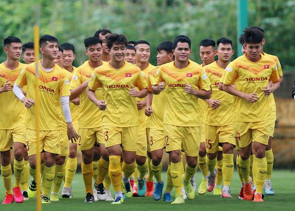 Đội tuyển U22 Việt Nam lỡ chuyến đi Pháp vì COVID-19 - Ảnh 1.