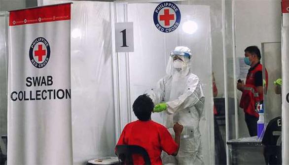 Hội Chữ thập đỏ Philippines ngưng xét nghiệm COVID-19 miễn phí vì chính phủ nợ tiền - Ảnh 1.