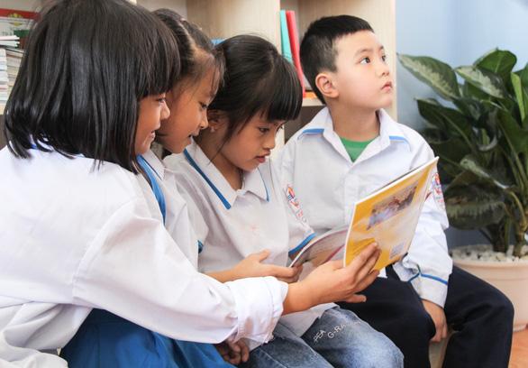 Cam kết trao tặng hàng ngàn đầu sách cho thư viện măng non - Ảnh 5.