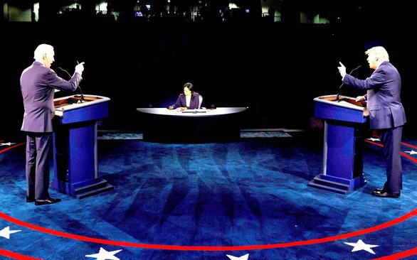 Hai ông Donald Trump và Joe Biden, ai thắng ở cuộc tranh luận cuối cùng? - Ảnh 1.