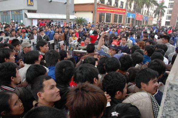 Lao động di cư Việt Nam đang chịu mức phí cao nhất? - Ảnh 2.