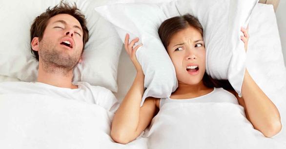 Vì sao người ta nói mớ khi ngủ? - Ảnh 1.