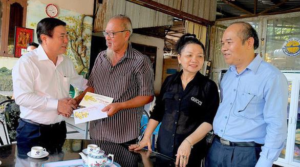 Đề xuất chi gần 813 tỉ đồng tặng người dân TP.HCM ăn Tết Tân Sửu 2021 - Ảnh 1.