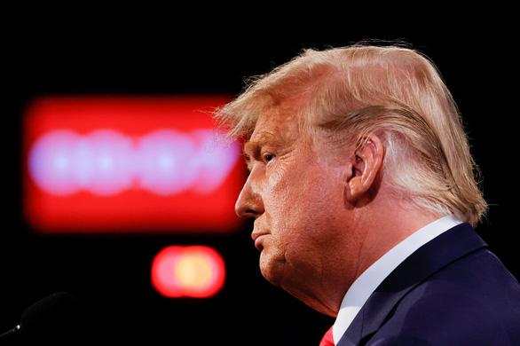 Ông Trump nói không khí Trung Quốc 'bẩn thỉu', Trung Quốc nói đừng lôi họ vào chiến dịch bầu cử - Ảnh 1.