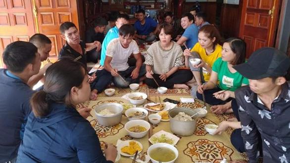 Khách sạn, tiệm sửa xe, quán cà phê ở Hà Tĩnh miễn phí cho bà con - Ảnh 3.