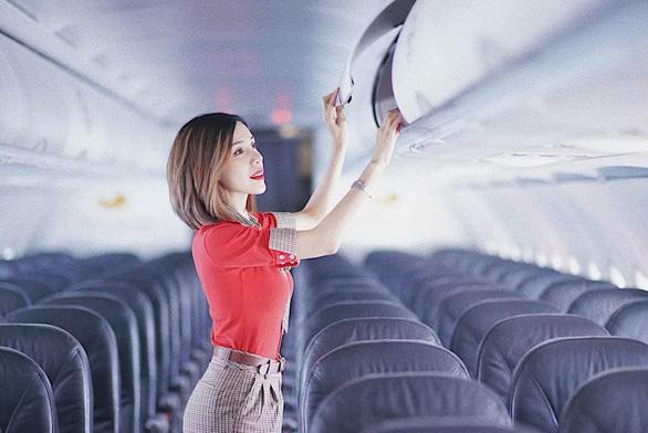 Cận cảnh sắc đẹp của các nữ tiếp viên hàng không tham gia đấu trường nhan sắc - Ảnh 3.