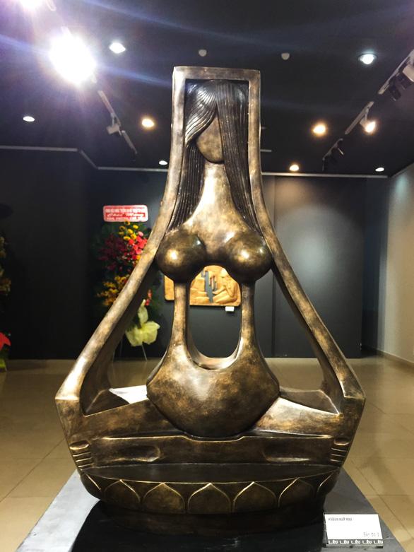 Bến đợi của phụ nữ Việt - Ảnh 6.