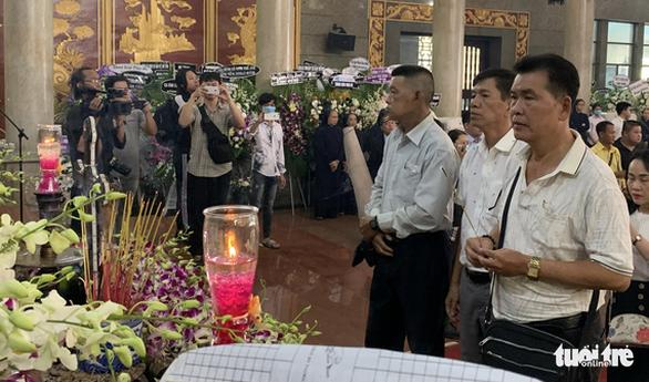 Tiễn đưa nghệ sĩ Lý Huỳnh về nơi an nghỉ - Ảnh 4.