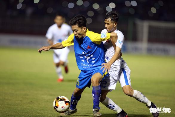 Sôi động ngày khai mạc Giải bóng đá sinh viên Đại học Quốc gia TP.HCM mở rộng 2020 - Ảnh 8.