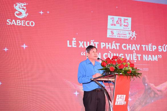 Chương trình chạy tiếp sức Lên cùng Việt Nam chính thức xuất phát tại Hạ Long - Ảnh 4.