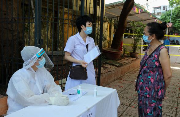 Thêm 12 ca COVID-19 mới, Việt Nam 1.160 bệnh nhân - Ảnh 1.