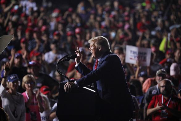 Chưa từng có trong bầu cử ở Mỹ: 53 triệu cử tri đã bỏ phiếu sớm - Ảnh 1.