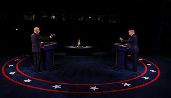 Sau tranh luận, ông Trump và ông Biden tăng tốc chạy nước rút - Ảnh 1.